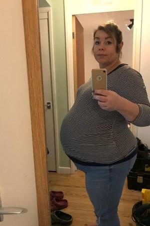 Beata, quando ainda estava grávida de seus três bebês (Foto: Arquivo pessoal)