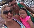 Debby com o marido, Leandro, e a filha, Maria Eduarda | Arquivo pessoal