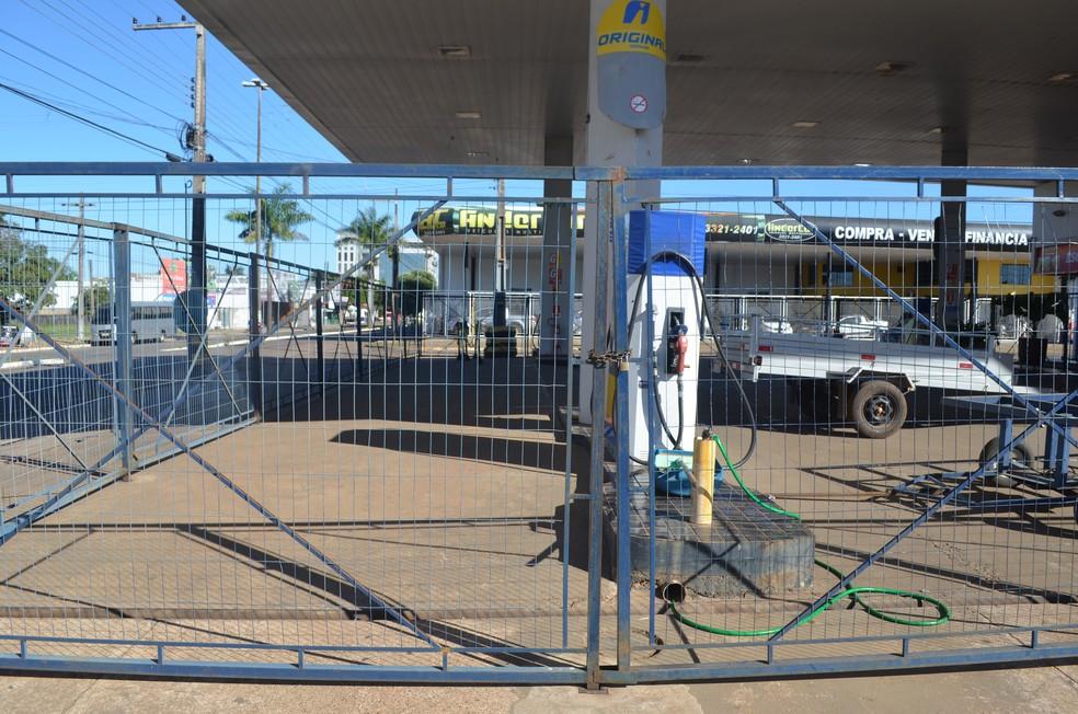 Postos de gasolina fecham por falta de combustíveis em RO (Foto: Eliete Marques/ G1)