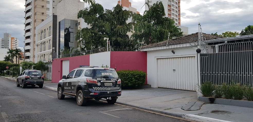 Operação Bereré na casa do deputado Eduardo Botelho (Foto: Tiago Terciotty/TV Centro América)