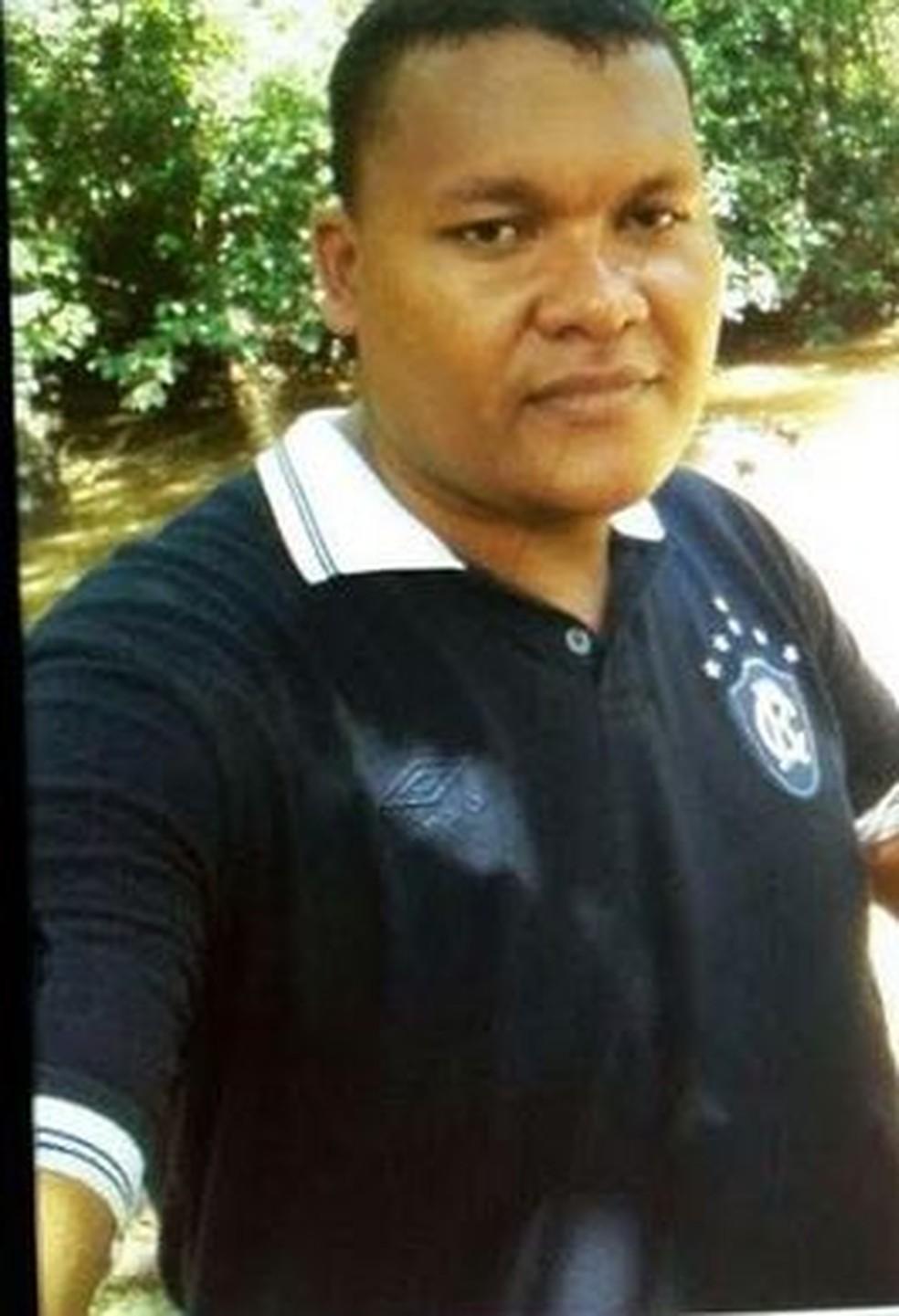 Edson Rodrigues da Silva, conhecido como Urso, de 35 anos, foi executado com mais de dez tiros em Cruzeiro do Sul (Foto: Arquivo da famíia)