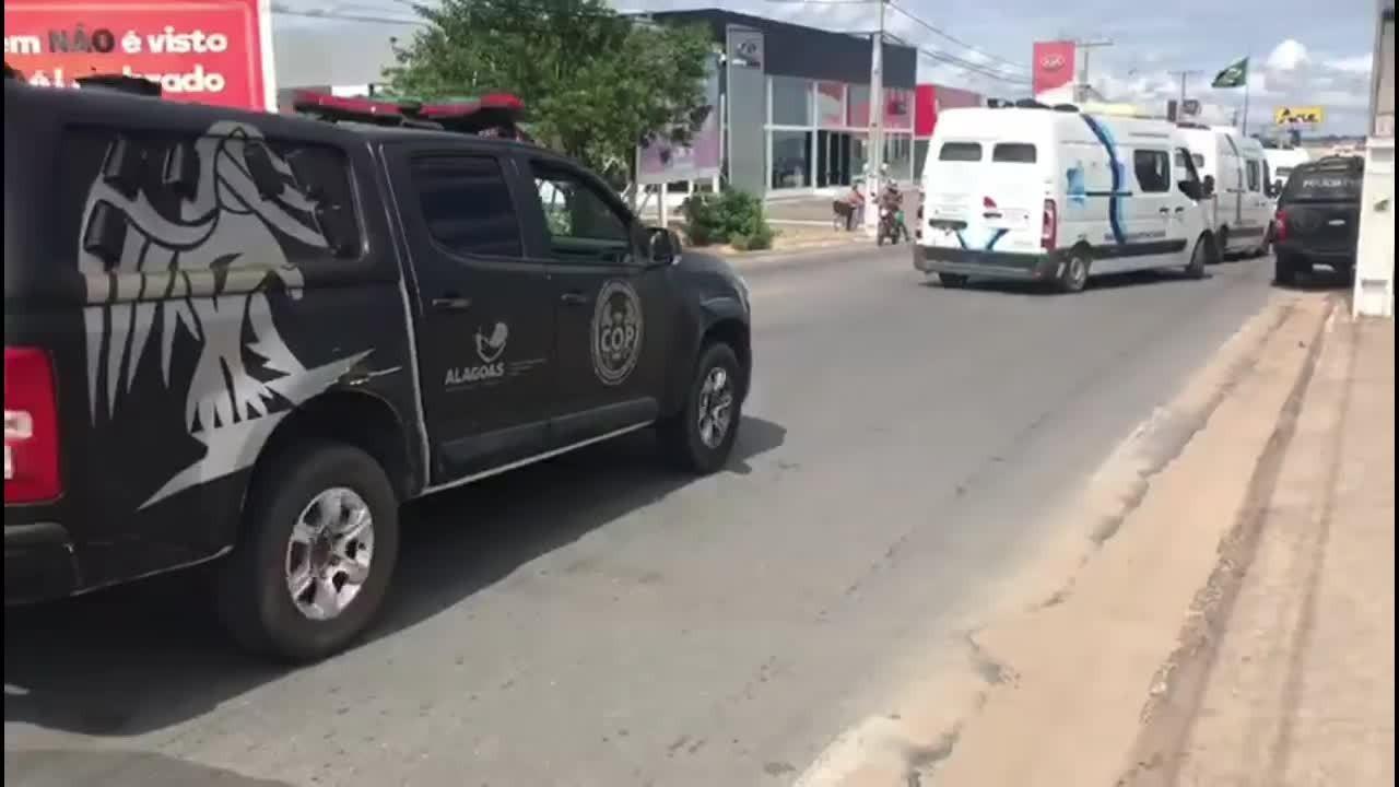 Presos são transferidos da Casa de Custódia de Arapiraca para o Presídio do Agreste