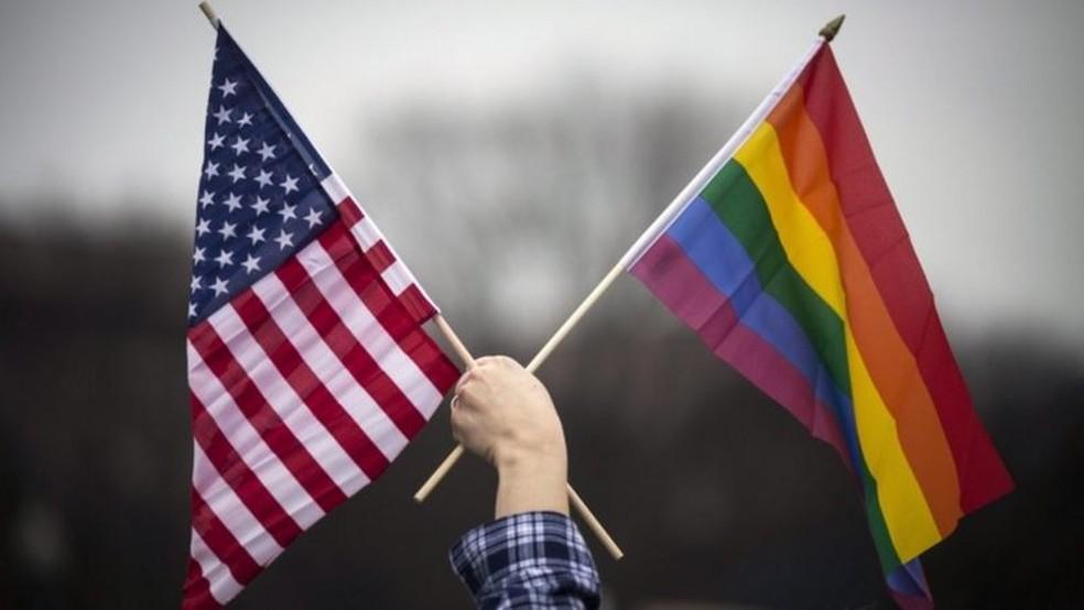 Questões relacionadas à liberdade religiosa e aos direitos LGBTQ também podem sofrer impacto com uma nova maioria conservadora na Suprema Corte — Foto: EPA/BBC