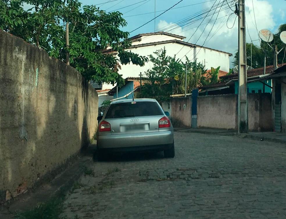 Um carro foi apreendido com o suspeito na Bahia — Foto: SSP/ Divulgação