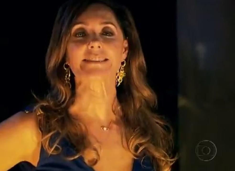 Patrícia luta com Tereza Cristina para salvar Antenor e Griselda em 'Fina Estampa' — Foto: Globo
