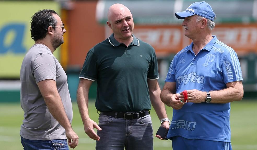 Alexandre Mattos, Mauricio Galiotte e Luiz Felipe Scolari, na Academia do Palmeiras — Foto: Cesar Greco / Ag. Palmeiras