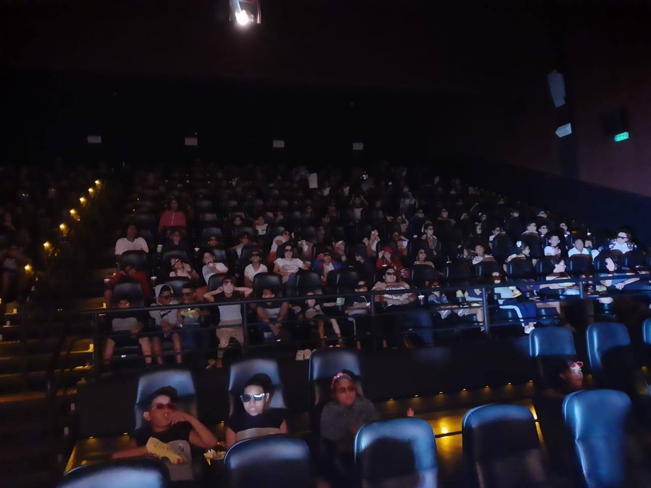 'Emoção única': salas de cinema recebem 400 crianças de escolas públicas e instituições de Natal  - Notícias - Plantão Diário
