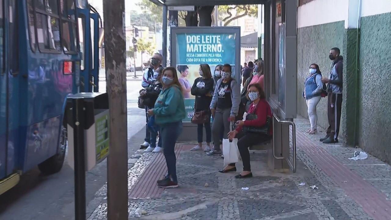 Indicadores de Covid-19 seguem tendência de queda em BH e podem pautar novo anúncio da prefeitura nesta sexta
