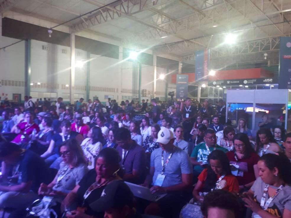 Público acompanhou atento a primeira palestra da Campus Party RO (Foto: Ana Kézia Gomes/ G1)