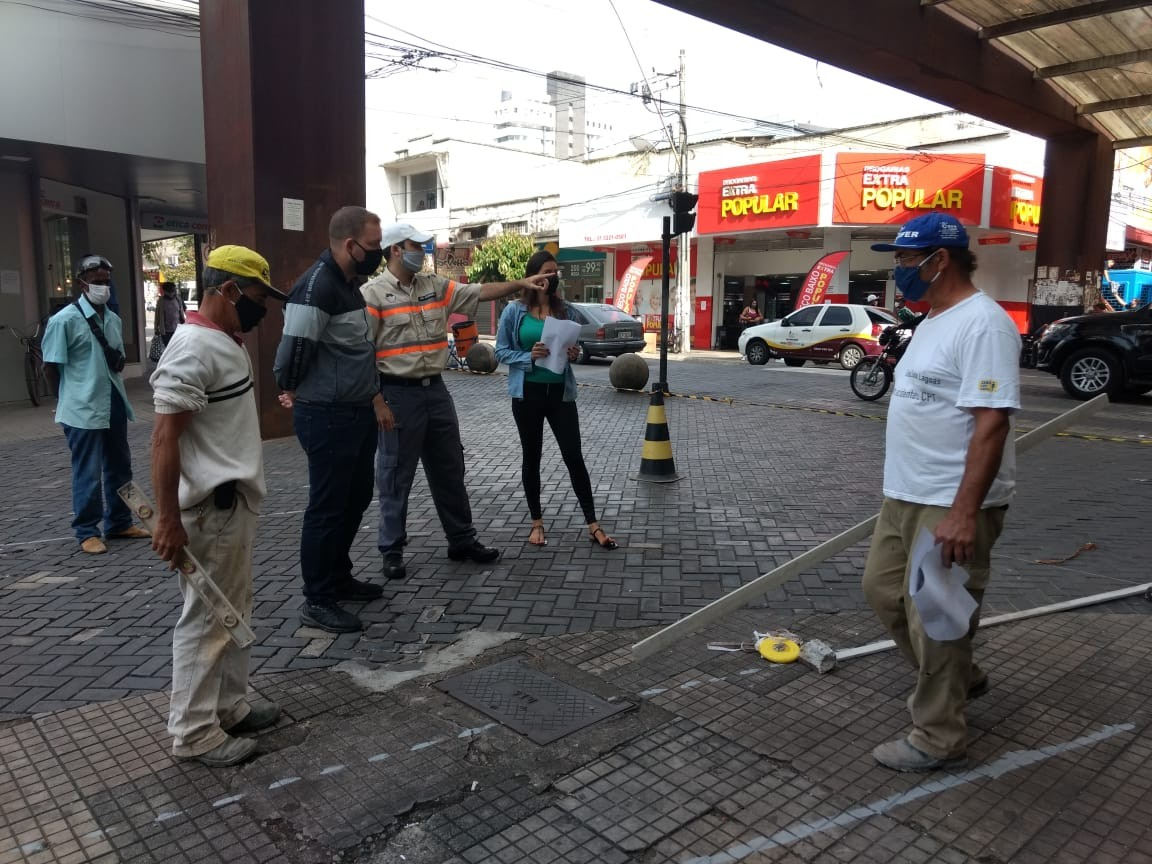Prefeitura inicia obras para abertura da Rua São Paulo em Divinópolis