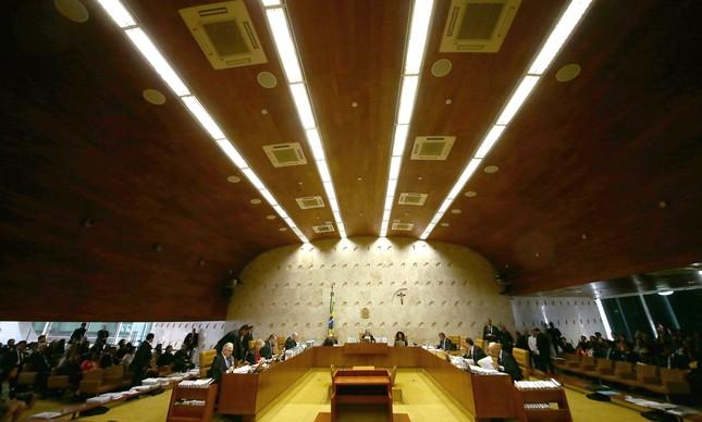 Supremo Tribunal adia decisão sobre restrição ao foro privilegiado