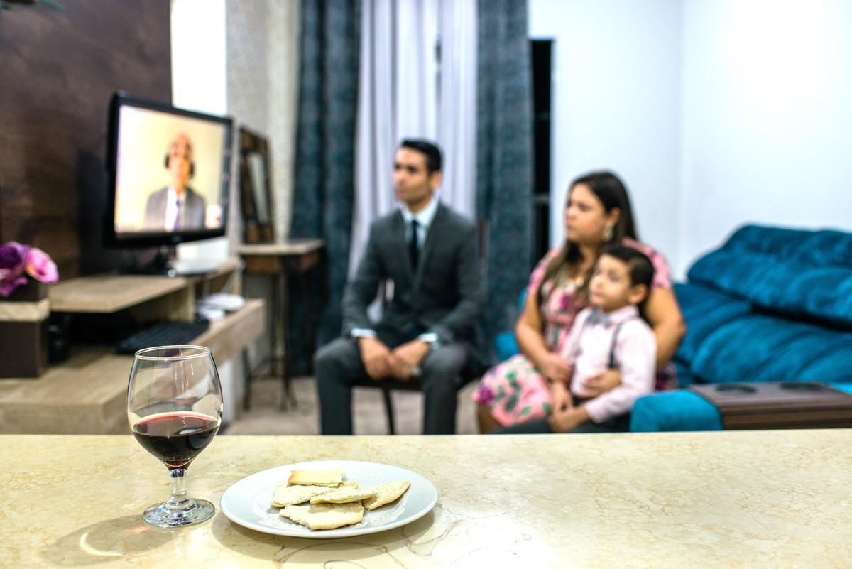 Cerca de 30 mil Testemunhas de Jeová do DF se reúnem pela internet lembrar a morte de Cristo