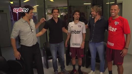 Aposentado, Kaká visita CT do São Paulo; Luis Fabiano aparece de uniforme tricolor