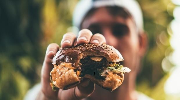 Hambúrguer; fast food (Foto: Pexels)