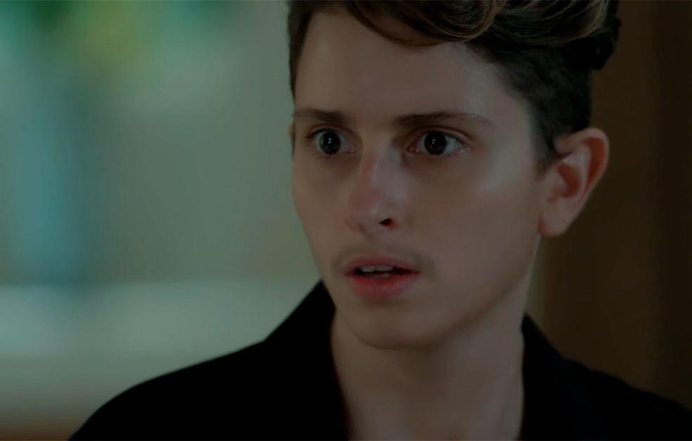 Em 'A Força do Querer', Ivan (Carol Duarte) descobre que está grávido — Foto: Globo