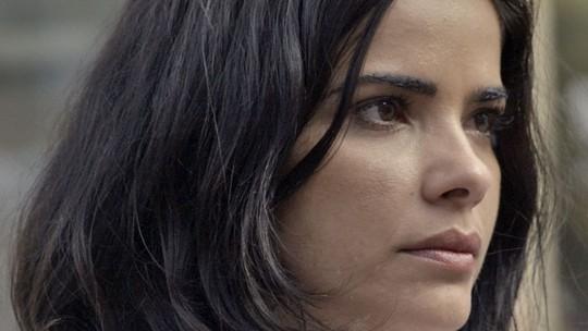 Tóia é chantageada por Atena após morte de Romero