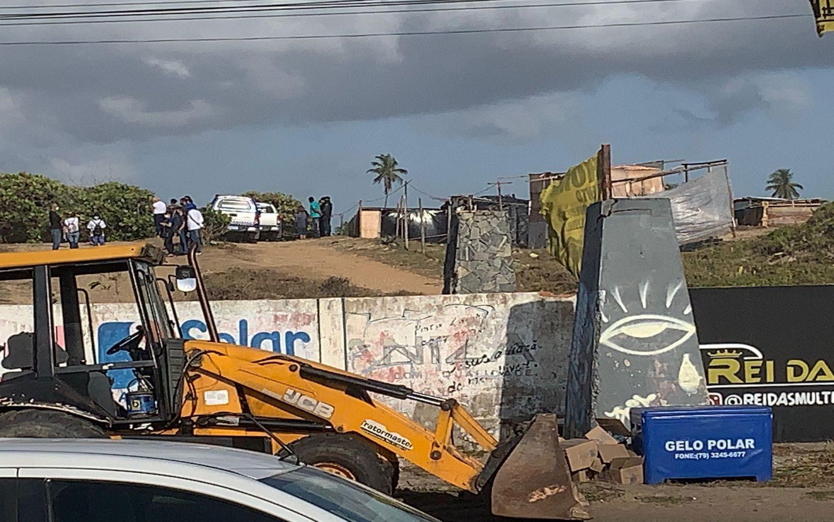 Reintegração de posse ocorre em terreno na Zona de Expansão de Aracaju