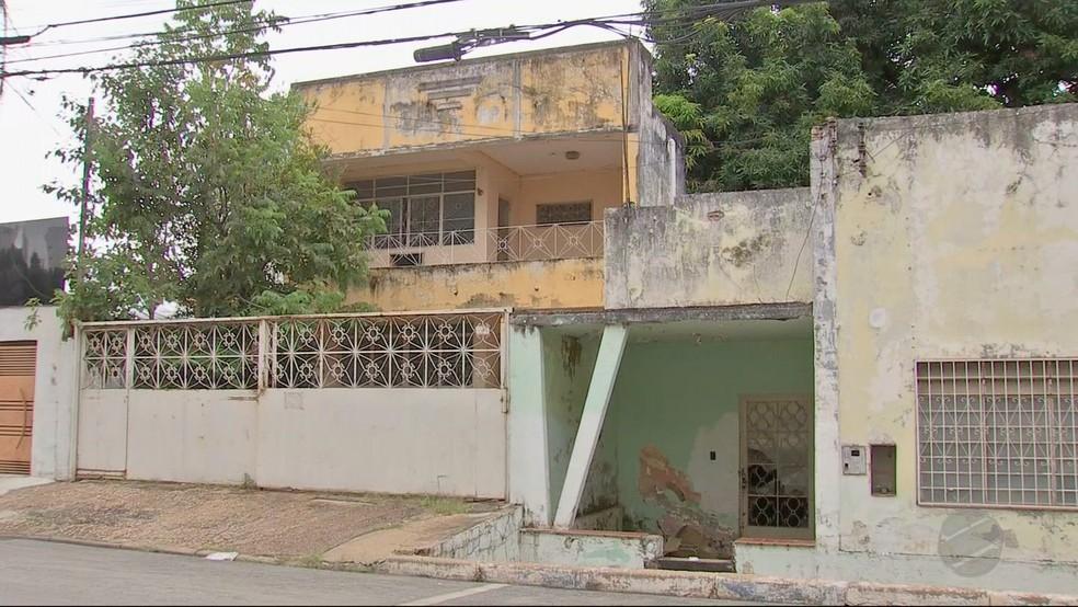 Imóveis fazem parte da herança deixada pela mãe de Marco (Foto: TVCA/Reprodução)