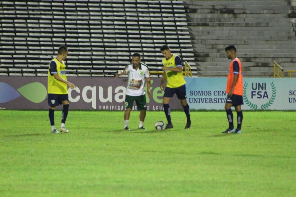 Treino do Altos no Albertão (Foto: Wenner Tito/GloboEsporte.com)