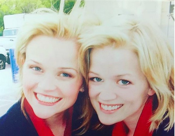 A atriz Reese Witherspoon ao lado de sua dublê, Marilee Lessley (Foto: Instagram)