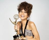 As makes icônicas do tapete vermelho remoto do Emmy