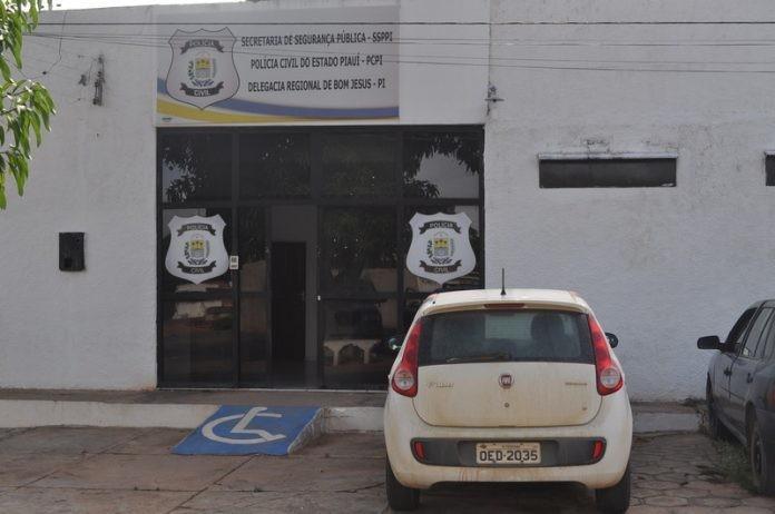 Suspeito de assaltar casal e estuprar jovem é preso em Bom Jesus, no Sul do Piauí
