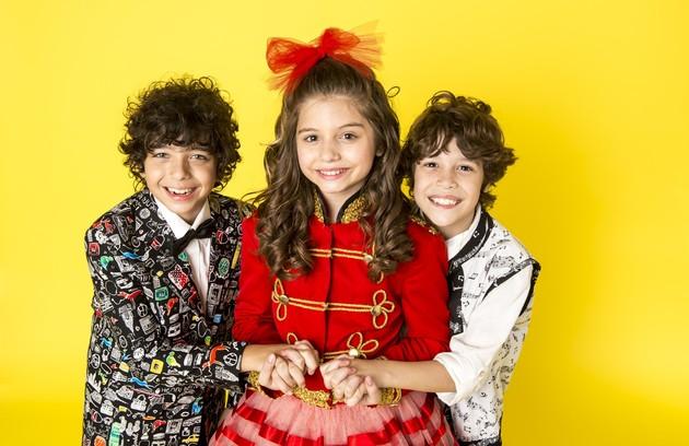 Manuzita simpatizará com João e anunciará que escolheu o menino para ser seu novo parceiro. Ao mesmo tempo, a produção do programa elegerá Jerônimo o vencedor do concurso. A Patotinha, então, vai virar um trio (Foto: TV Globo)