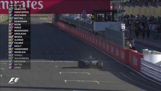 """Próximo do tetra, Hamilton diz que vantagem para Vettel é """"inacreditável"""""""