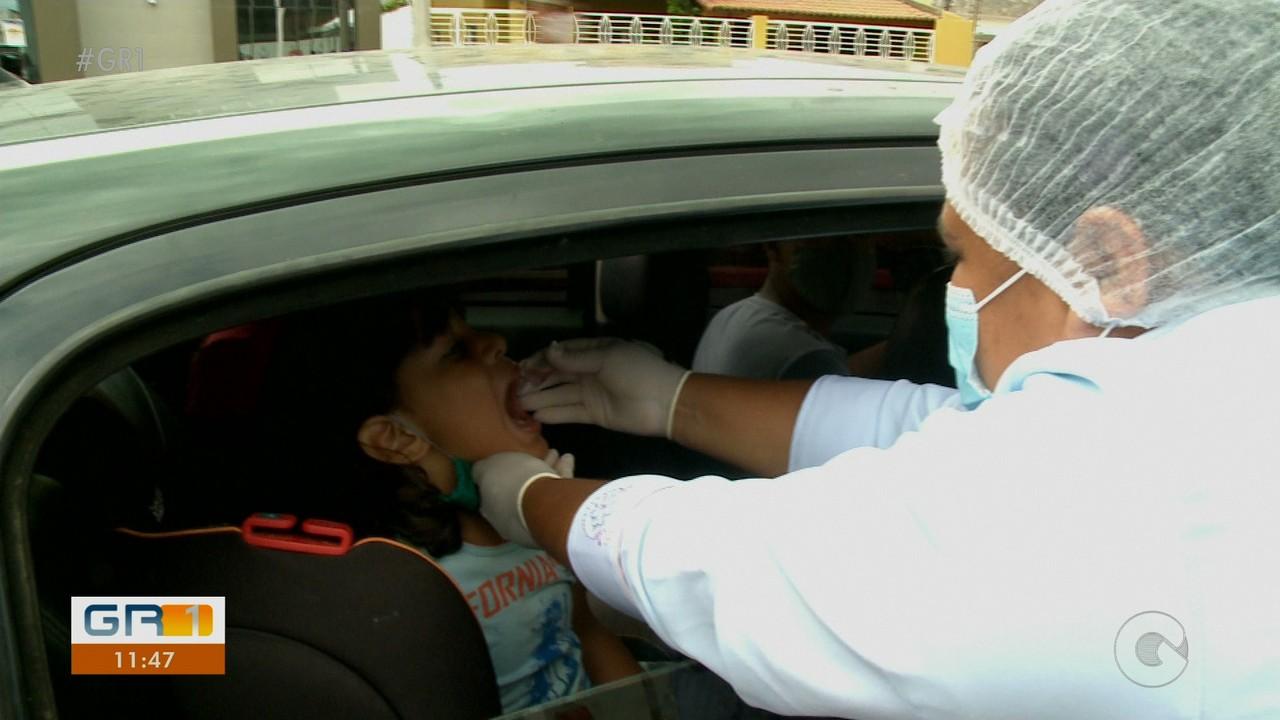 Secretaria Municipal de Saúde monta Drive Thru para vacinação contra a poliomelite