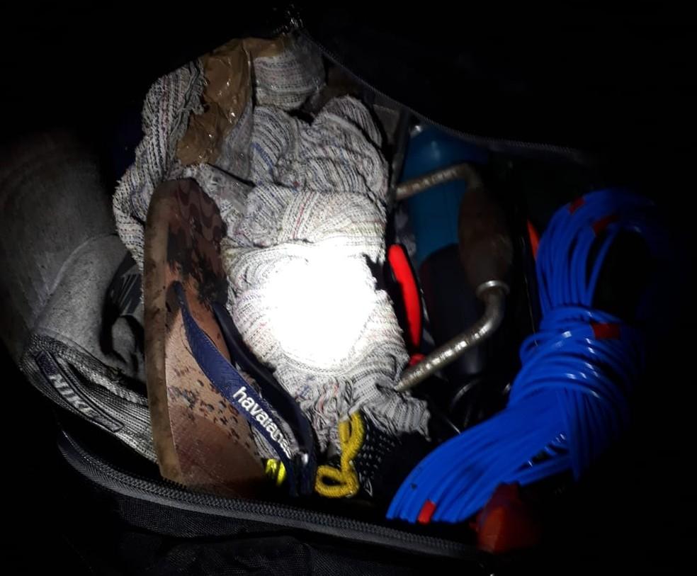 A Polícia apreendeu ferramentas que seriam utilizadas para arrombar o cofre da agência. (Foto: Reprodução / Polícia Civil)