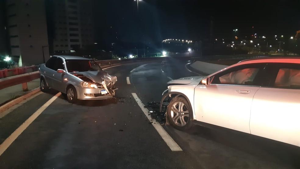 Acidente aconteceu na madrugada no viaduto de Ponta Negra, em Natal — Foto: Divulgação