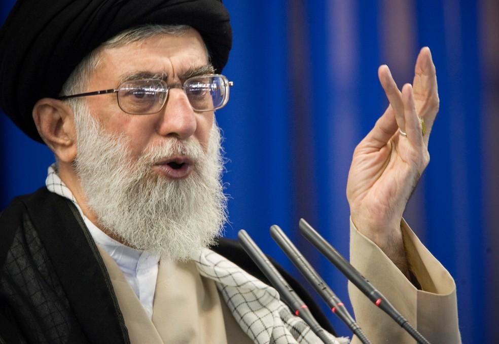 Aiatolá Ali Khamenei, líder supremo do Irã. — Foto: Morteza Nikoubazl/Reuters