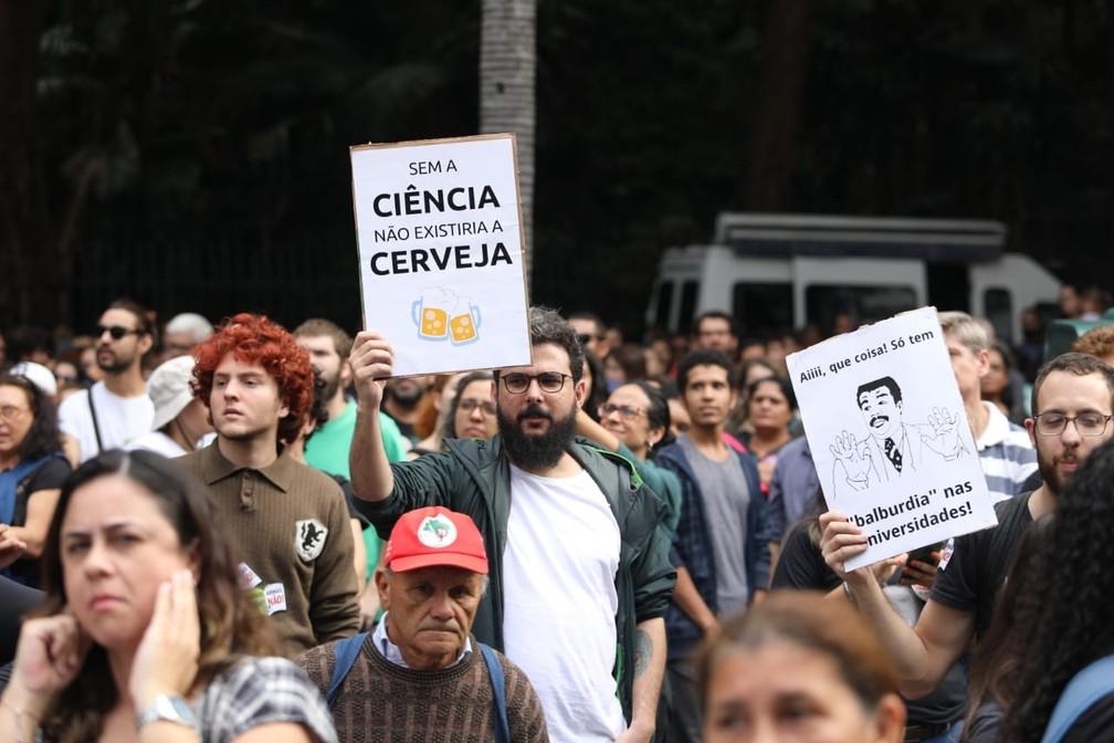 São Paulo - Protesto na Avenida Paulista — Foto: Fabio Tito/G1