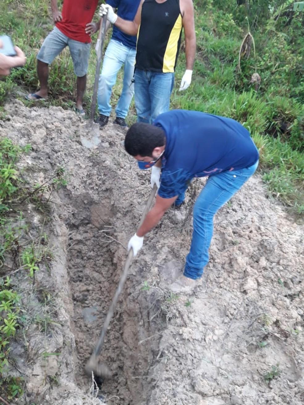 Corpo foi achado após suspeito deixar bilhete — Foto: Polícia Civil/Divulgação