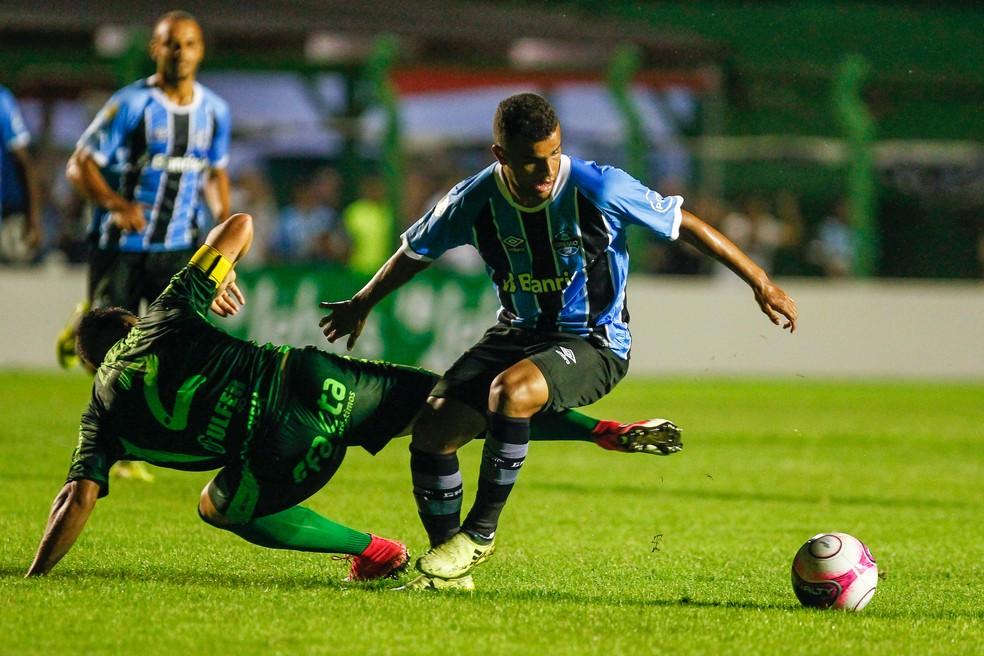 Alisson entrou mais uma vez no segundo tempo e pouco rendeu (Foto: Lucas Uebel/Grêmio/Divulgação)