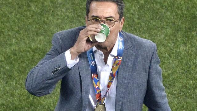 Luxemburgo e a medalha no peito: rotina no Palmeiras