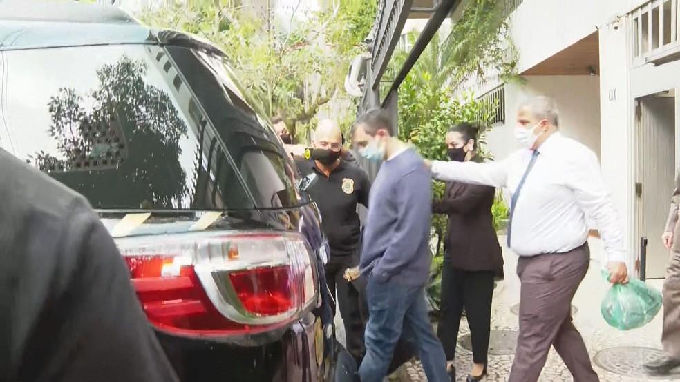 Raphael Montenegro foi preso pela PF em casa, na Urca, na Zona Sul do Rio — Foto: Reprodução/TV Globo