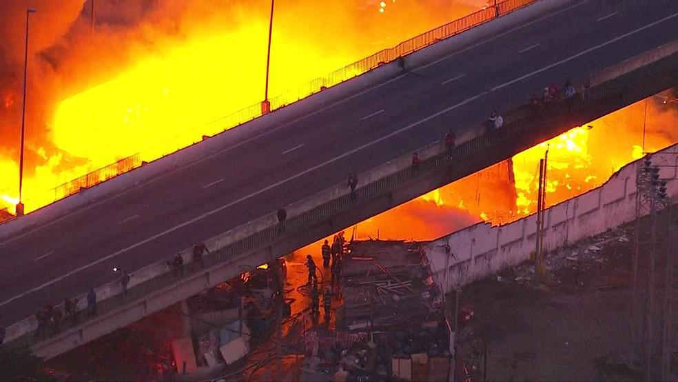 Fogo na Ponte do Jaguaré â?? Foto: Reprodução/TV Globo
