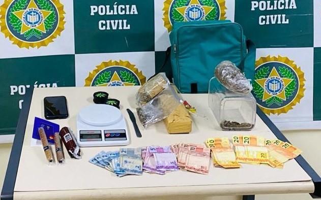 Presos suspeitos de usar tabacaria de fachada para venda de drogas em Volta Redonda