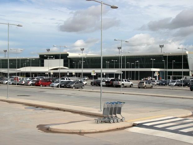 Aeroporto de Manaus tem combustível para 4 dias, diz relatório da Infraero