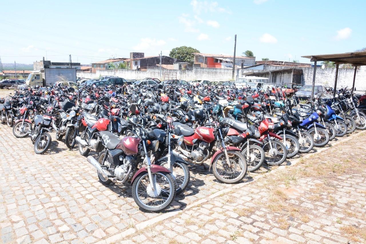 Detran realiza leilão virtual com 165 lotes de veículos apreendidos no RN