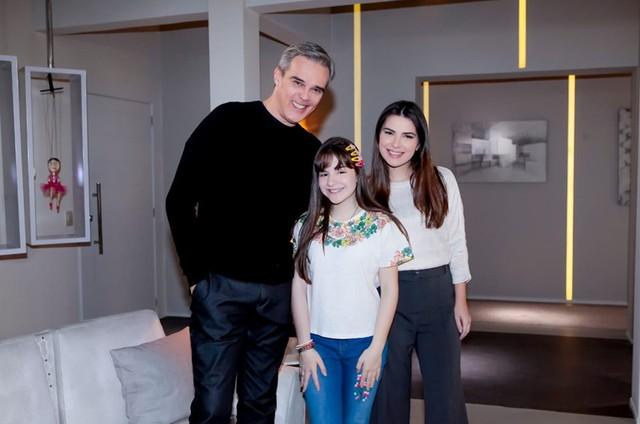 Dalton Vigh, Thaís Melchior e Sophia Valverde em 'As aventuras de Poliana' (Foto: Divulgação)