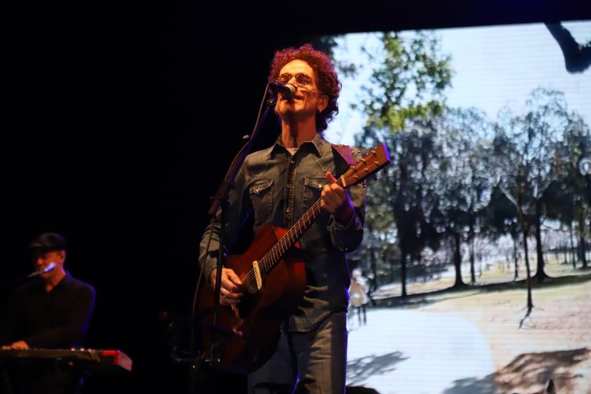 Nando Reis traz a Belém turnê com sucessos de novo álbum que homenageia Roberto Carlos