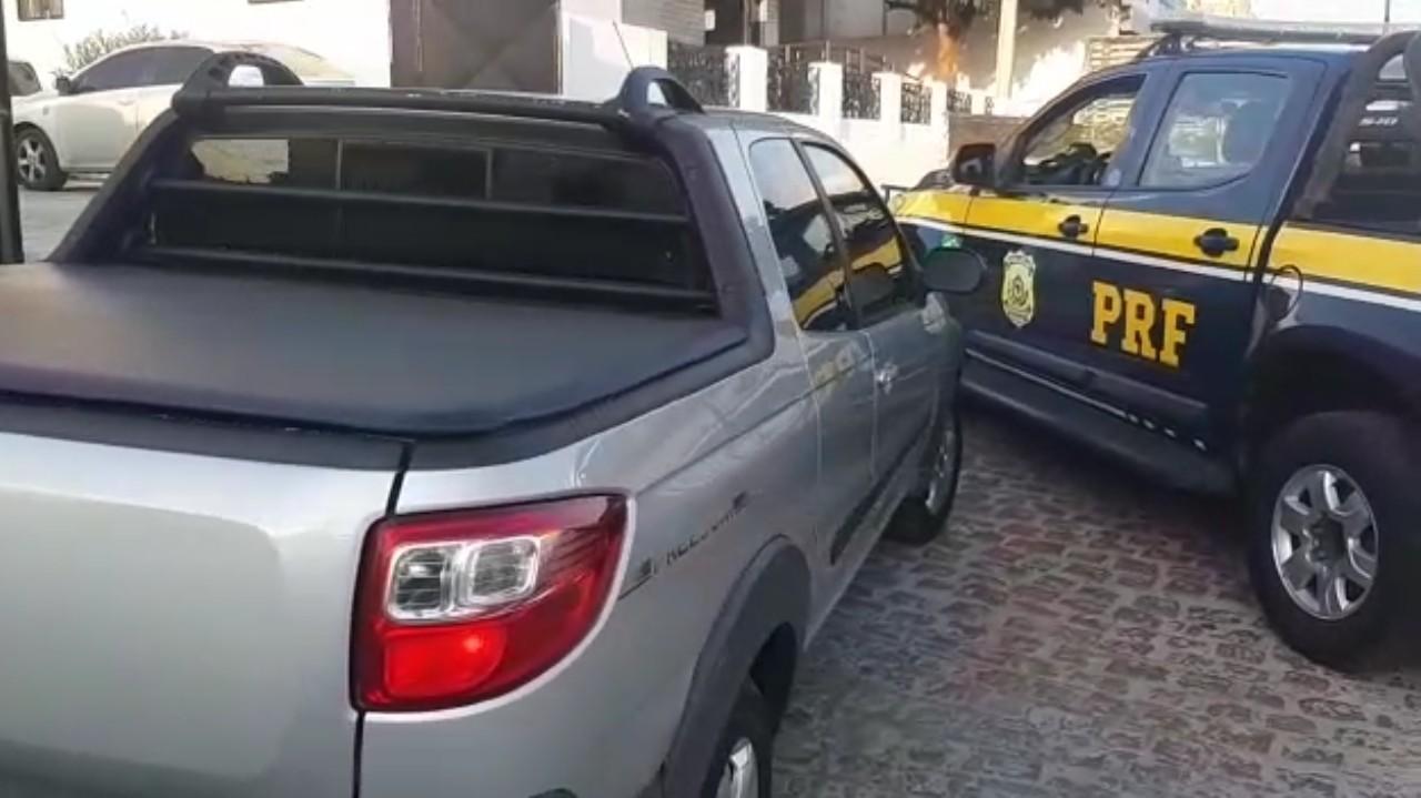 Casal é detido após adquirir caminhonete roubada em  Arcoverde