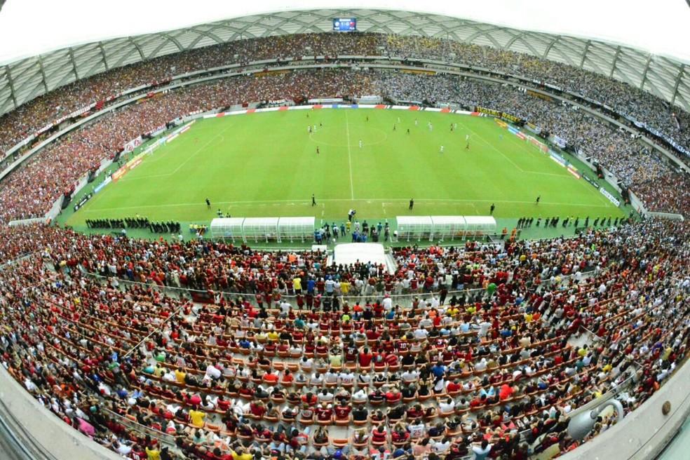 Maior público da Arena da Amazônia foi no jogo entre Vasco e Flamengo, com mais de 44 mil pessoas (Foto: Antônio Lima/Sejel)