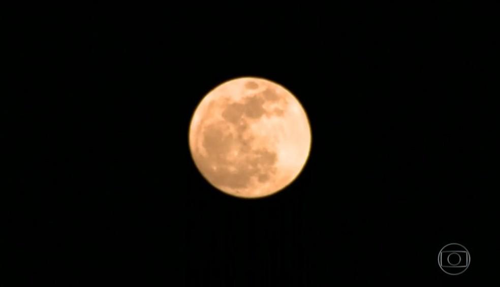 Noite de lua cheia vira atração nos Lençóis Maranhenses (Foto: Reprodução/TV Globo)