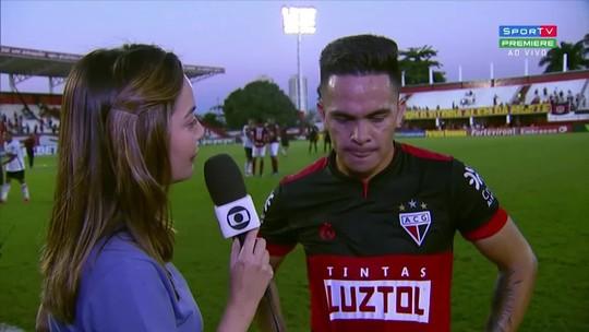 Bustamante entra bem mais uma vez e diz que faltou sorte ao Atlético-GO diante do Vitória