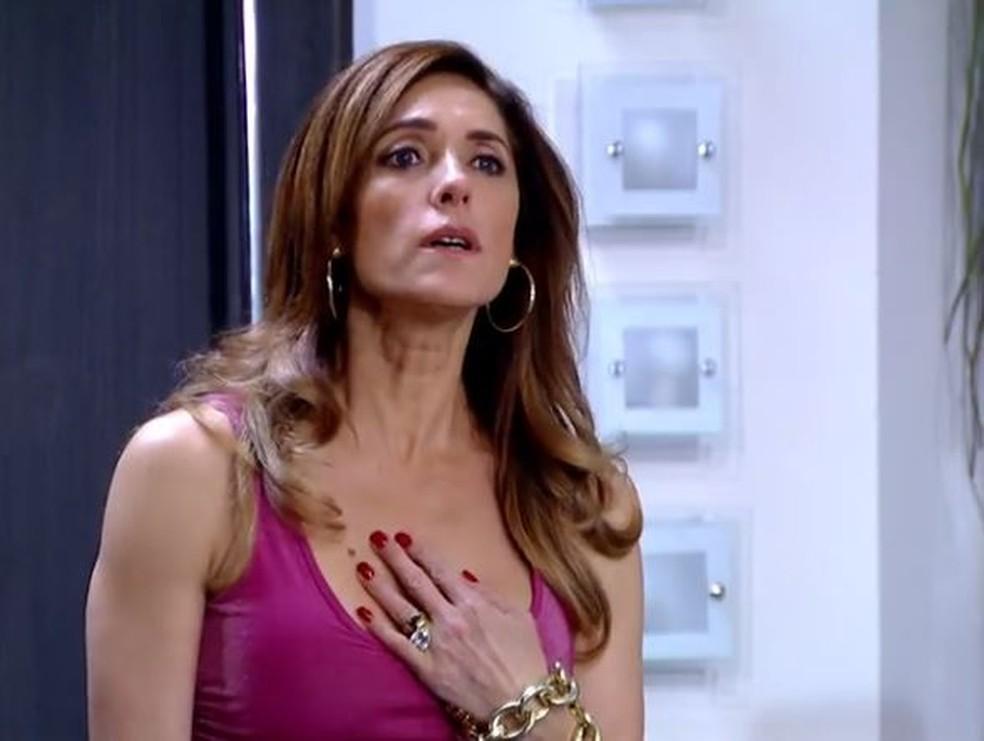 Tereza Cristina aceita condição de Griselda em 'Fina Estampa' — Foto: Globo