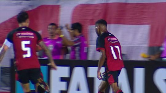 Wesley explica comemoração do 1º gol como profissional e mira triunfo do Vitória como visitante