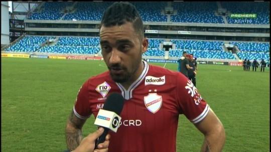 """Mesmo com rebaixamento, Robinho valoriza vitória do Vila: """"Importante para esfriar a cabeça"""""""